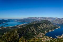 Paysage des montagnes et de la mer de Monténégro photographie stock