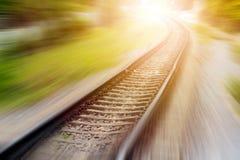 Paysage des voies ferrées avec l'effet de tache floue de mouvement Images stock