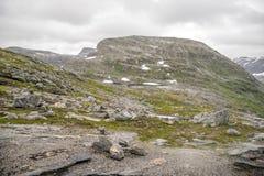 Paysage dramatique de montagne en Scandinavie Photo libre de droits