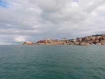 Paysage du Golfe du Morbihan - mer et roches Image libre de droits
