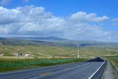 Paysage du Lac Qinghai le long de la route Photographie stock