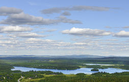 Paysage du nord avec le lac Photo libre de droits