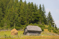 Paysage du pays dans la région de la Transylvanie Image libre de droits