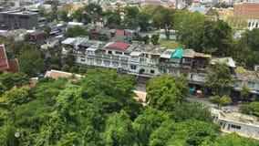 Paysage du paysage urbain de Bangkok du temple d'or de montagne à Bangkok, Thaïlande banque de vidéos
