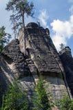 Paysage en nature de ressortissant d'Adrspach-Teplice de formations de roche Photo libre de droits