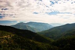 Paysage et cloudscape de montagne de Troglav à la fin d'été Image stock