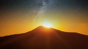 Paysage fantastique rougeoyant par lumière du soleil Parc naturel Carpathien, Ukraine, l'Europe Carpathien, Ukraine, l'Europe Bon Photographie stock libre de droits