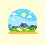 Paysage Forest Park de Sun d'herbe verte de montagne Photographie stock libre de droits