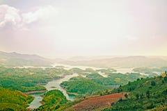 Paysage gentil, colline/moutain, lac images libres de droits