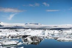 Paysage glaciaire Vatnajokull de neige de nature de lagune de Jokulsarlon de lac de glacier de l'Islande Image stock