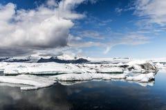 Paysage glaciaire Vatnajokull de neige de nature de lagune de Jokulsarlon de lac de glacier de l'Islande Photo libre de droits