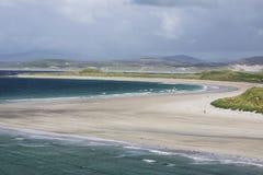 Paysage irlandais scénique de paysage marin de plage Image libre de droits