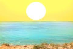Coucher du soleil jaune Image libre de droits