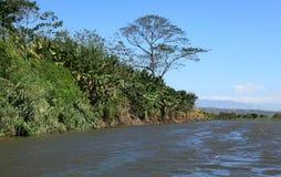 Paysage le long de la rivière de Tarcoles photos stock