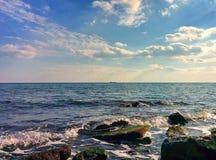 Paysage marin avec des vagues Photo stock