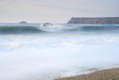 Paysage marin crépusculaire de Cornouailles, Polzeath, R-U. Photos libres de droits