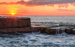 Paysage marin d'étagère de roche Photo stock
