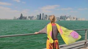 Paysage marin de Doha Corniche banque de vidéos