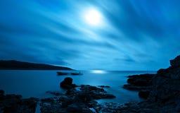 Paysage marin de nuit de vue d'océan Photos stock