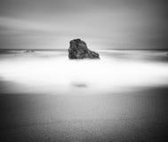 Paysage marin noir et blanc Photo libre de droits