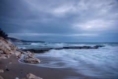 Paysage marin nuageux de beauté Photos libres de droits