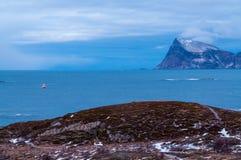 Paysage marin scénique dans Sommaroy, Norvège Image stock