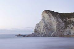 Paysage marin serein en plage d'Atxabiribil, Espagne Photographie stock