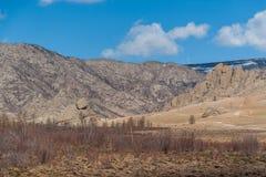 Paysage mongol de montagnes photos stock