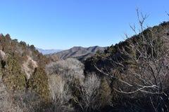 Paysage montagneux à la Grande Muraille dans Jinshanling en hiver près de Pékin en Chine images libres de droits