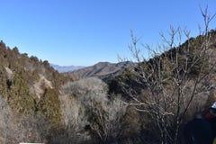 Paysage montagneux à la Grande Muraille dans Jinshanling en hiver près de Pékin en Chine photo stock