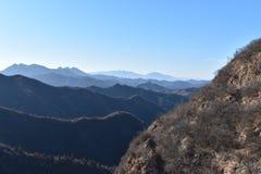 Paysage montagneux à la Grande Muraille dans Jinshanling en hiver près de Pékin en Chine photo libre de droits