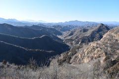Paysage montagneux à la Grande Muraille dans Jinshanling en hiver près de Pékin en Chine image stock