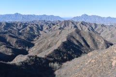 Paysage montagneux à la Grande Muraille dans Jinshanling en hiver près de Pékin en Chine images stock