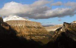 Paysage montagneux d'Aragon Pyrénées image stock