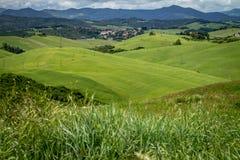 Paysage montagneux de l'Italien le Toscan Campagne italienne image libre de droits