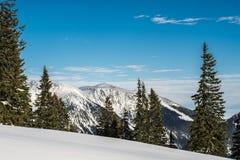 Paysage montagneux en hiver photos stock