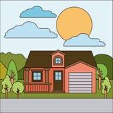 Paysage naturel coloré avec la maison de campagne avec le grenier et le garage le jour ensoleillé Photo libre de droits