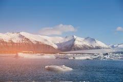 Paysage naturel de lagune de Jakulsarlon de saison d'hiver de l'Islande Images stock