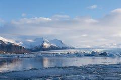 Paysage naturel de saison d'hiver au-dessus de lagune de Jakulsarlon Photo libre de droits