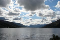 Paysage naturel du fjord de l'Ecosse occidentale près de Fort William Photo stock