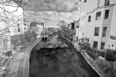 Paysage paisible de canal de ville photos stock