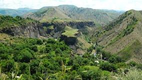 Paysage panoramique d'Arménien de montagne d'été banque de vidéos