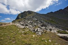 Paysage panoramique près des sept lacs Rila, Bulgarie Photo libre de droits