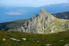Paysage panoramique près des sept lacs Rila, Bulgarie Photo stock