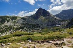 Paysage panoramique près des sept lacs Rila, Bulgarie Image libre de droits