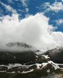 Paysage renversant de montagne des Pyrénées avec les nuages incroyables Images stock