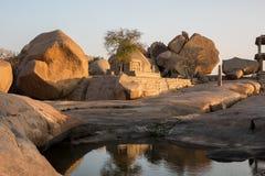 Paysage rocheux avec un lac Images libres de droits