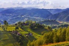 Paysage roumain de montagne images stock