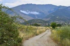 Paysage rural avec la route Image stock