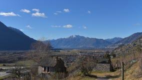 Paysage rural avec la vue de plan image stock
